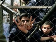 """""""مؤسسات الأسرى"""": الاحتلال اعتقل 374 فلسطينييا الشهر الماضي"""