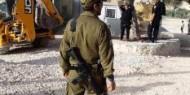 جرافات الاحتلال تهدم اسطبلا للخيول بالقدس