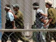 """هيئة الأسرى: اعتداءات بالجملة على الأسرى في معتقل """"عصيون"""" خلال اعتقالهم"""