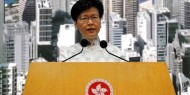 """حكومة هونغ كونغ تتراجع وتعلق """"تسليم مطلوبين"""" للصين"""