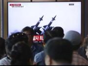 كوريا الشمالية تواصل الاستعراض العسكري وتطلق صاروخين باليستيين