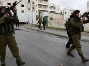 الاحتلال يصيب عددا من المواطنين بالاختناق في بيت أمر