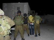 """الاحتلال يعتقل شابا من مخيم جنين ويعتدي على أهالي الأسرى أمام سجن """"مجدو"""""""