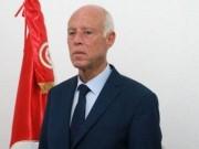 الرئيس التونسي يجمد عمل البرلمان ويعفي رئيس الحكومة