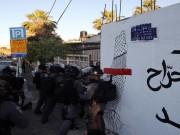 إصابة شابين واعتقال آخرين بمواجهات مع الاحتلال في حي الشيخ جراح